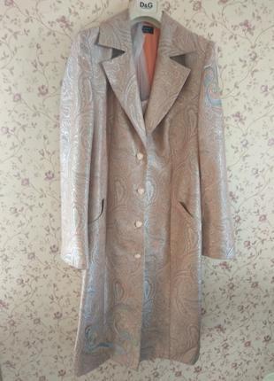 Дизайнерское пальто, Италия