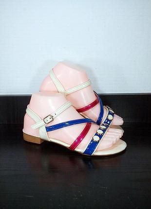 Лаковые женские сандалии босоножки.
