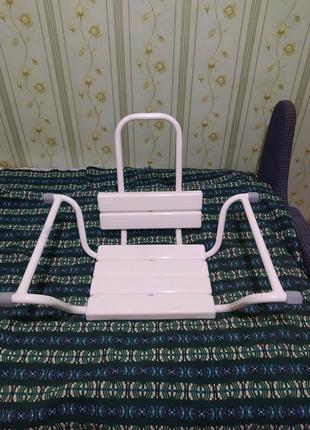 Сидіння у ванну зі спинкою для  інвалідів