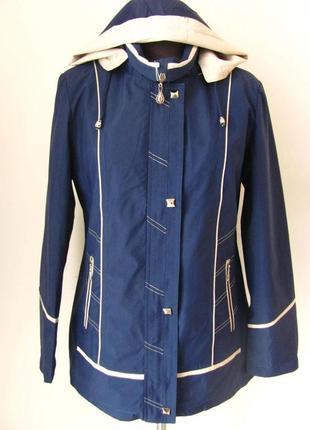 Женская ветровка со съемным капюшоном весна-осень, два кармана...