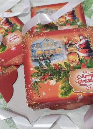 Оригинальная новогодняя коробка для упаковки подарков