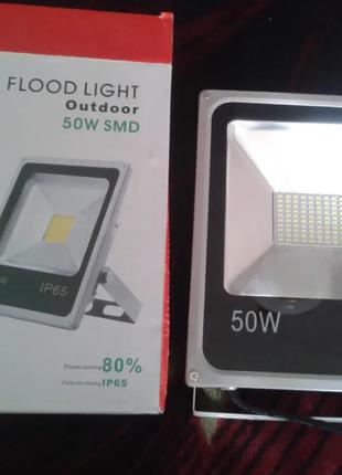 Светодиодный прожектор 50вт новый