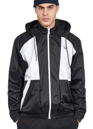Мужская куртка /ветровка reebok