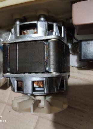 Мотор от стиральной машины типа малютка Ссср.