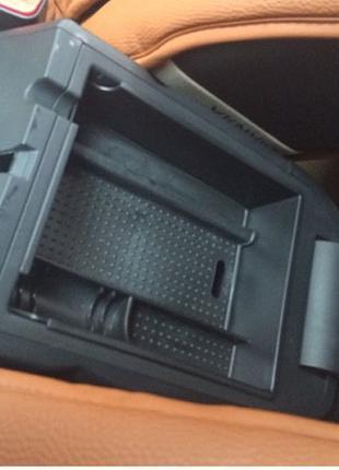 Органайзер полочка вставка в подлокотник автомобиля Hyundai ix35