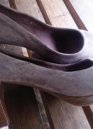 Стильні бежеві туфлі замша р39 5th avenue