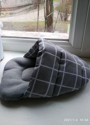 Домик - тапок лежанка для грызунов.