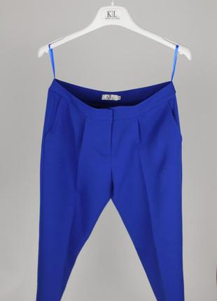 Ярко синие классические брюки делового стиля