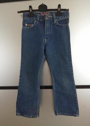 Котоновые джинсы на девочку. натуральные джинсы клеш