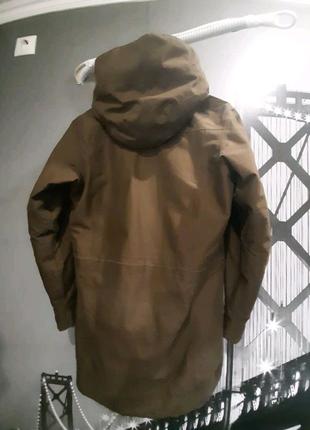 Зимняя  куртку Jack Wolfskin женскую