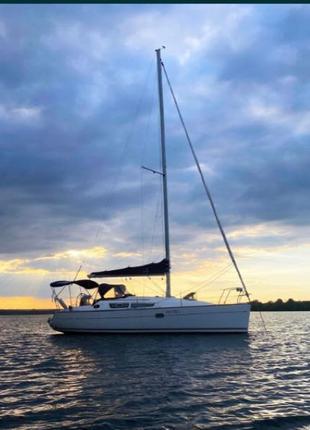 Парусная яхта Jeanneau Sun Odyssey 32i Legende