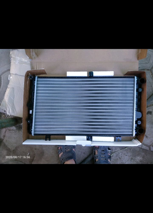 Радиатор ваз 2170,приора 2110-12