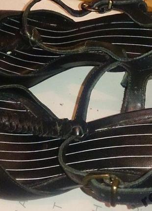 Стильні чорні босоніжки шкіра р36
