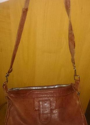 Стильна червона сумочка шкіра