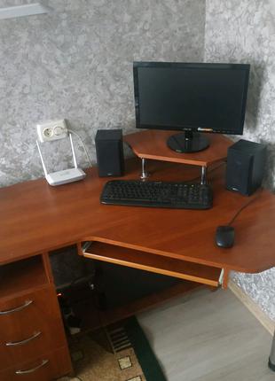 Продам ПК и монитор с клавиатурой мышью и колонками