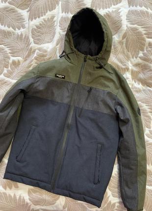 Демісезонна деми куртка
