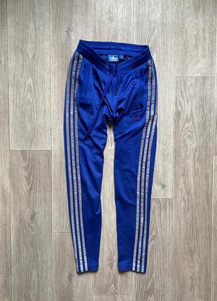 Adidas спортивные штаны на подростка с рефлективными полосками