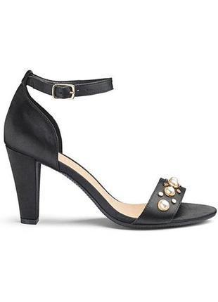 Красивые, элегантные женские туфли, боссоножки с жемчугами от ...