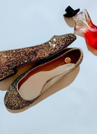 Обалденные блестящие туфли балетки 41 размера