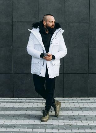 Мужская белая зимняя куртка с мехом