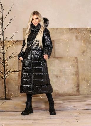 Куртка женская зима на силиконе с капюшоном и мехом пуховик