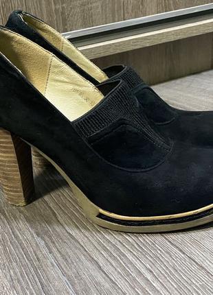 Замшевые туфли на высоком каблуке 38 размер