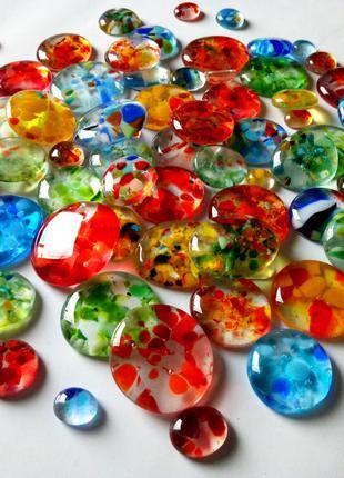 Декоративные стеклянные камни, кабошоны, капли, мозаика