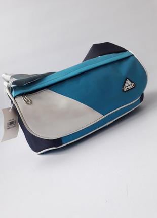 Маленькая спортивная сумка. уценка