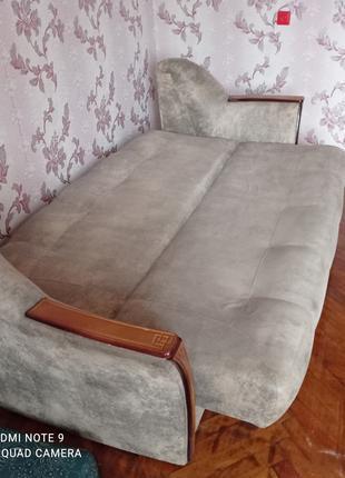 Диваны 3 шт шкафы 2шт тумбочки 2 шт стол и стулья