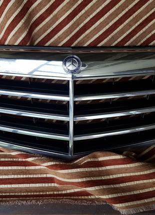 W212 решетка радиатора mercedes