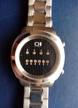 Часы бинарные 01THEONE zerone ZE102B2