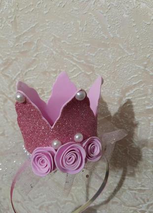 Розовая корона на ободке