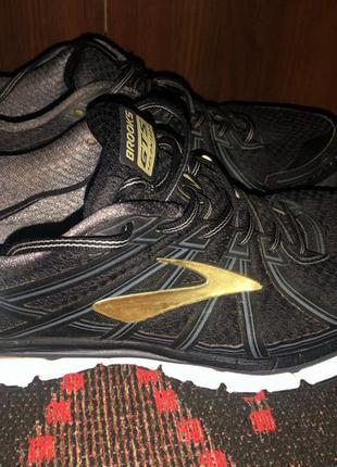 Кроссовки brooks GTS 17. Мужская обувь