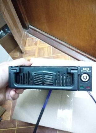 """Внутренний карман для дисков SATA в отсек 5,25"""" привода черный"""