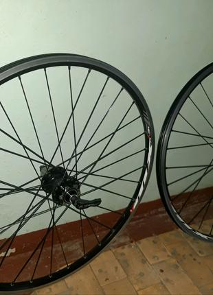 Фирменные колеса 26е на велосипед, на крутых втулках Novatec