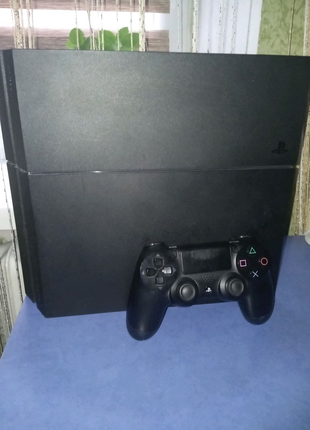 Продам Playstation 4