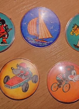 Значки СССР: Детские значки, крупные, диаметр 55 мм, пластмасса