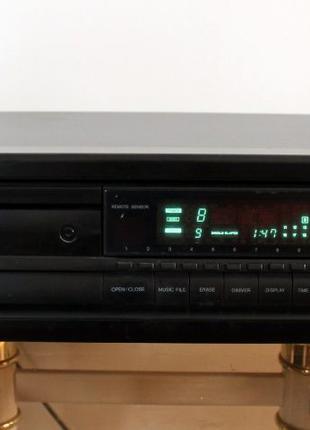 Cd проигрыватель Onkyo DX-6830 JVC XL-V164bk