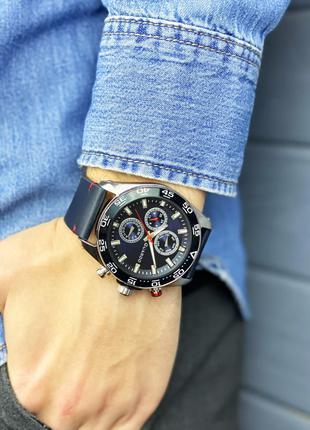 Стильные часы Guardo