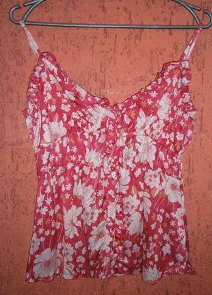 Блуза шелк на бретельках в цветы атлас