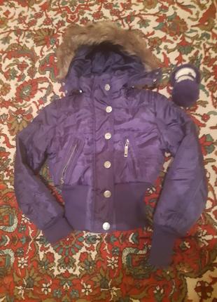 Фиолетовая куртка с капюшоном + наушники в подарок