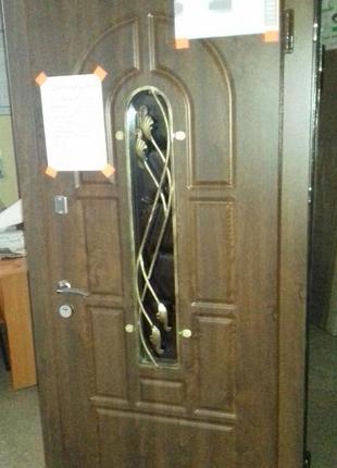 Входная дверь с ковкой 860/2050