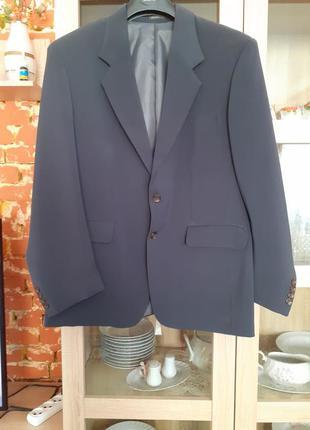 Стильный пиджак большого размера