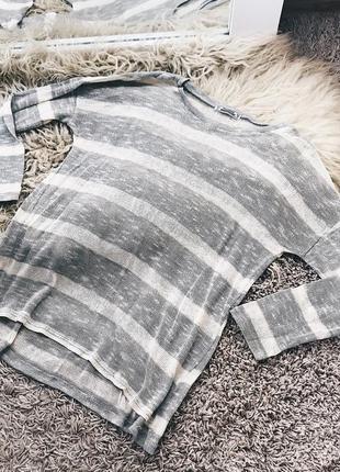 Легкий свитерок от pull&bear