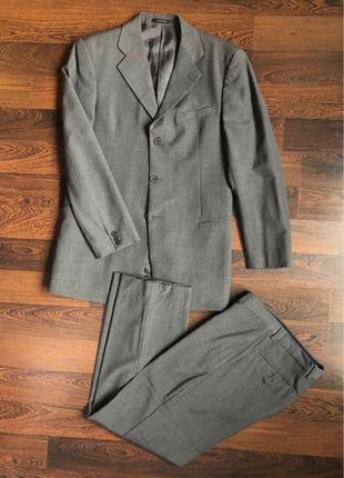 Продам мужской костюм Armani