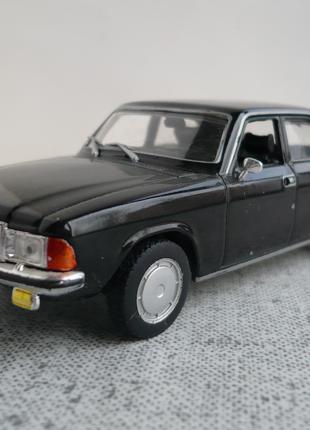 ГАЗ-3102 Волга 1:43 Автолегенды СССР №35