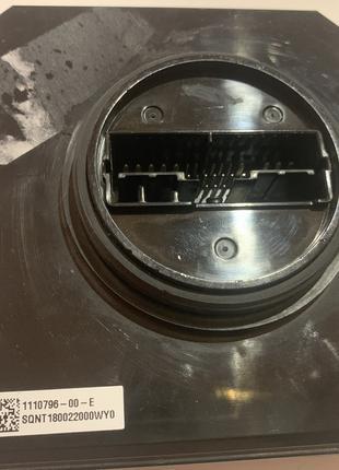 Блок фары Tesla Model 3 1110796-00-F