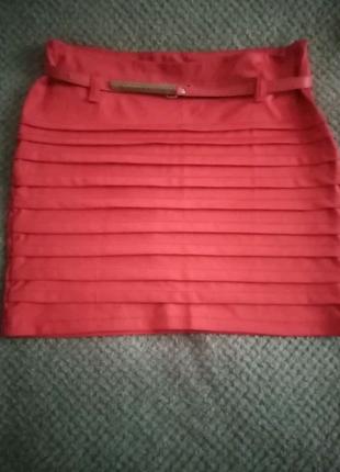 Яркая мини юбка