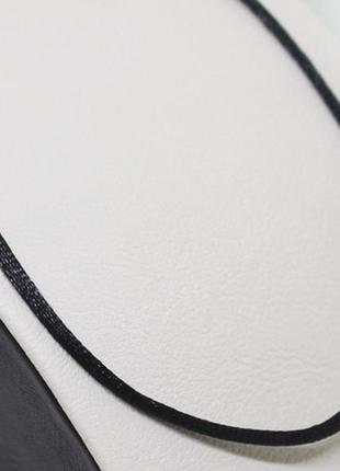 Шнурок шелковый с серебряной застежкой