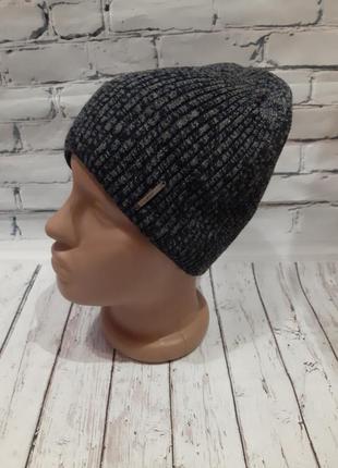 Мужская шапка